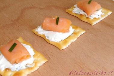 Tartine formaggio e salmone
